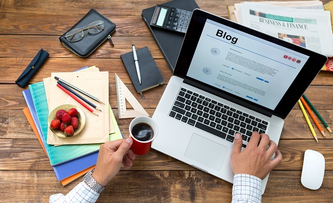 Blogging Advice: 4 Tips For Organically Growing Your Blog's Following